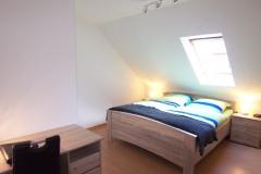 Schlafzimmer Bett2